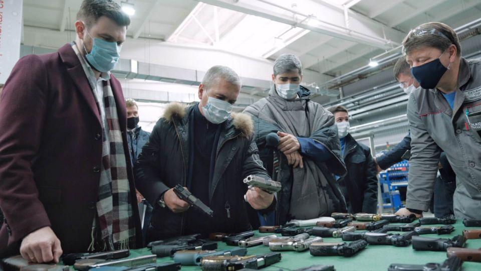 """Оружейный концерн """"Калашников"""" продали примерно за 1 млрд рублей"""