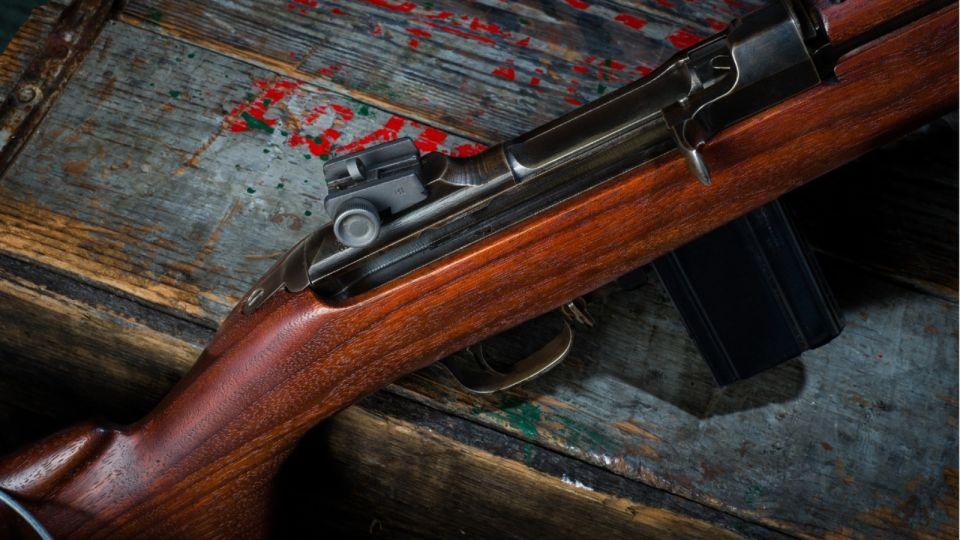 """Четыре трупа: мужчина устроил стрельбу на """"вписке"""" в квартире Екатеринбурга"""