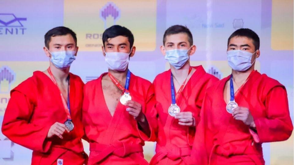 Алтайский спортсмен взял серебро юниорского первенства мира по самбо