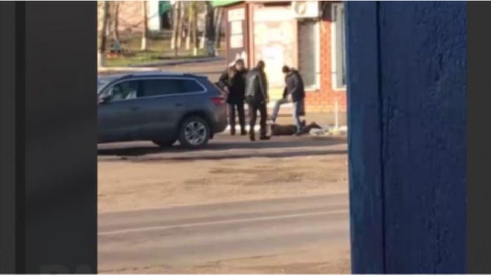 Очевидец сняла жесткое задержание срочника, расстрелявшего сослуживцев