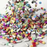 Микробиолог назвал отложенный вред бесполезных при COVID-19 антибиотиков
