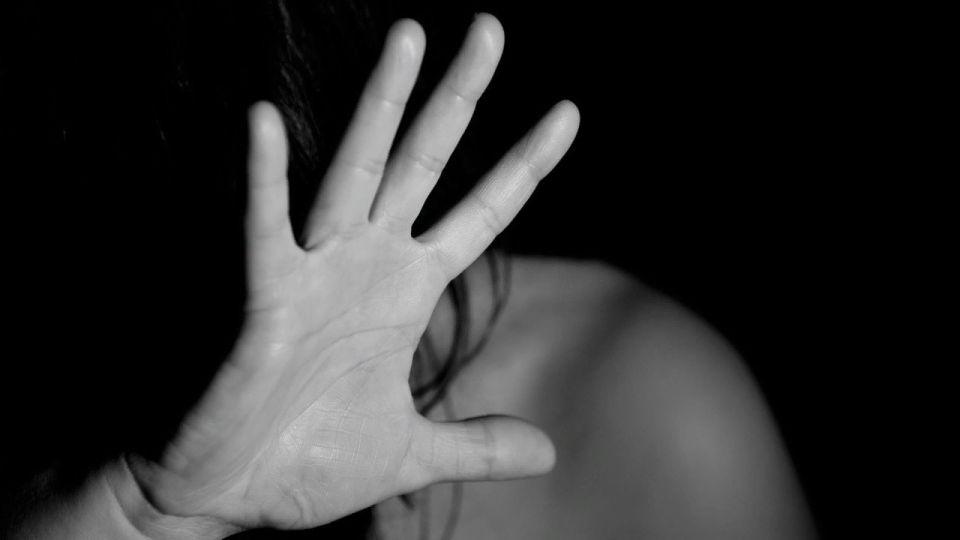 Житель Алтая вывез психически больную на окраину деревни и изнасиловал