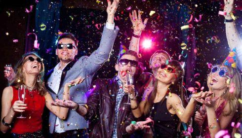 Новый год без корпоративов? К чему готовятся алтайские рестораторы и артисты