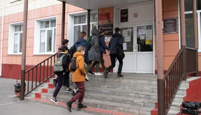 Очные занятия в школах Алтайского края начнутся с 16 ноября