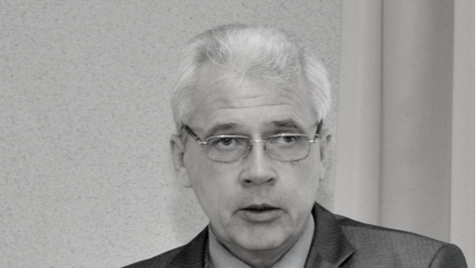 Директор барнаульской гимназии №27 скончался в ковидном госпитале