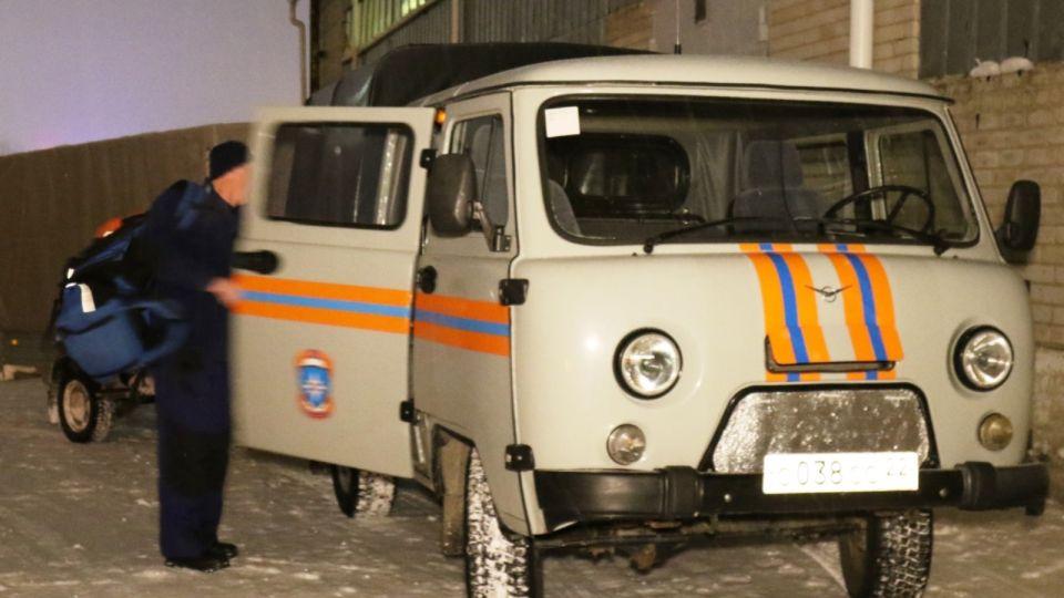 Алтайские спасатели вскрыли дом, где находился беспомощный мужчина