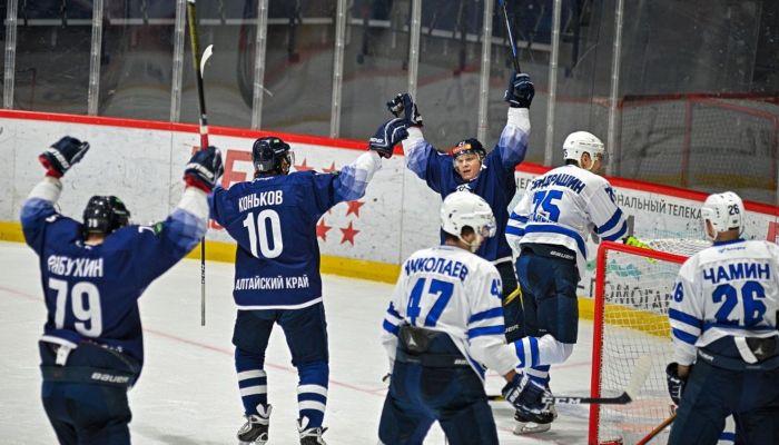 Алтайские хоккеисты в третий раз разгромили гостей из Кургана