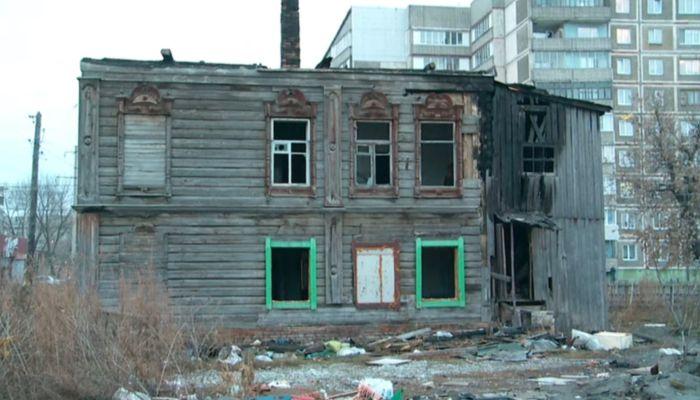 Стая бродячих собак кошмарит жителей района в Бийске