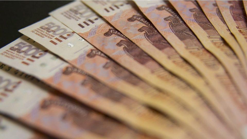 Только 65% жителей Алтайского края получают белую зарплату