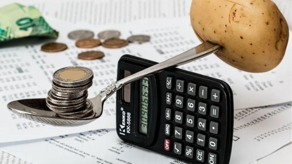 Кредиты и долги: каждая пятая семья в России тратит больше заработка