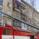 Шесть человек спасли из горящей пятиэтажки в Алтайском крае