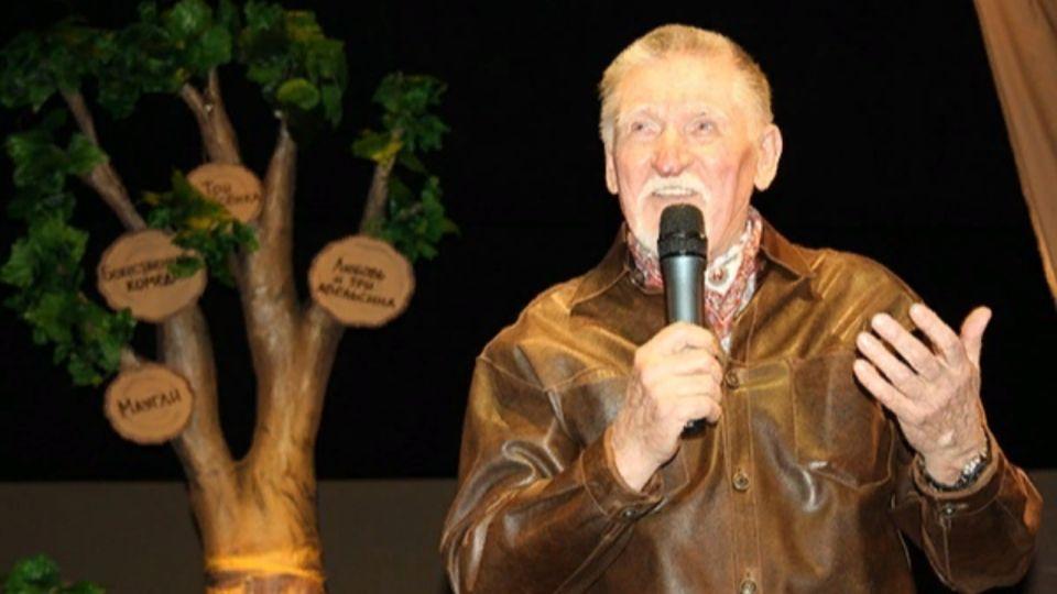 """На 85-м году жизни умер бывший главный режиссер алтайского театра кукол """"Сказка"""""""
