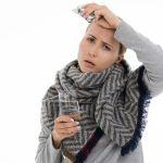 Медики предупредили о рисках легкой формы COVID-19