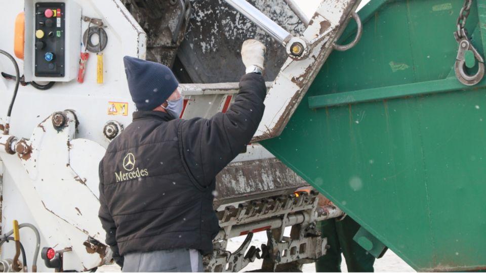 Почему в нескольких алтайских селах вдруг стали чаще вывозить мусор