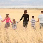 Многодетным семьям разрешат тратить выплату в 450 тыс. рублей на стройку