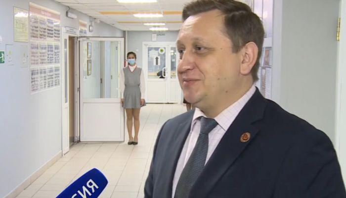 Министр образования назвал дату перехода школ Алтайского края на дистант