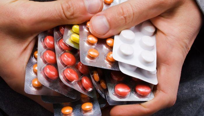 Антибиотики. Опасность и вред при лечении COVID-19
