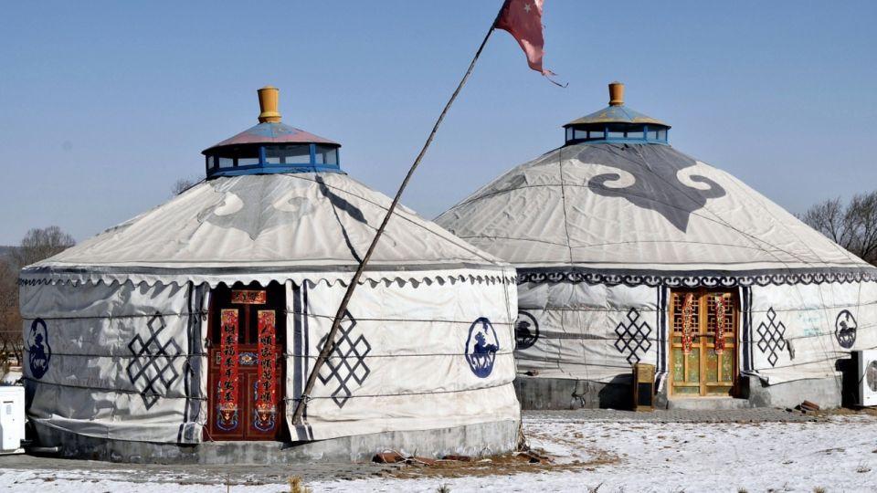 """На """"Бирюзовой Катуни"""" появится кемпинг для туристов в виде юрт тюрков"""