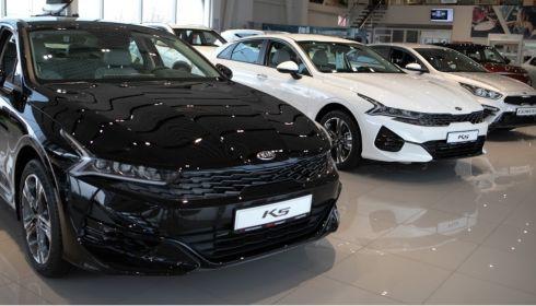 Барнаульцы заметили взрывной рост цен на машины, в автосалонах так не считают