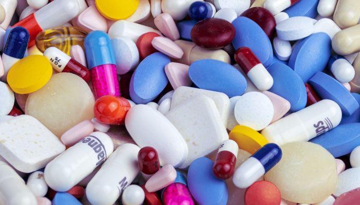 Дефицит антиковидных лекарств обнаружили в алтайских аптеках