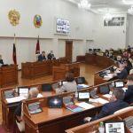 С самогонкой, но без танцев: депутаты поспорили о трактовке указа Томенко