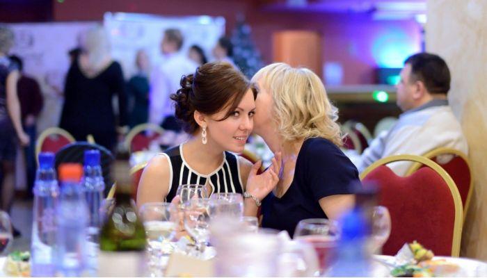 Удар ниже пояса: рестораторы Барнаула возмущены запретом корпоративов