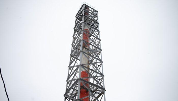 30-метровая труба котельной едва не рухнула в Алтайском крае