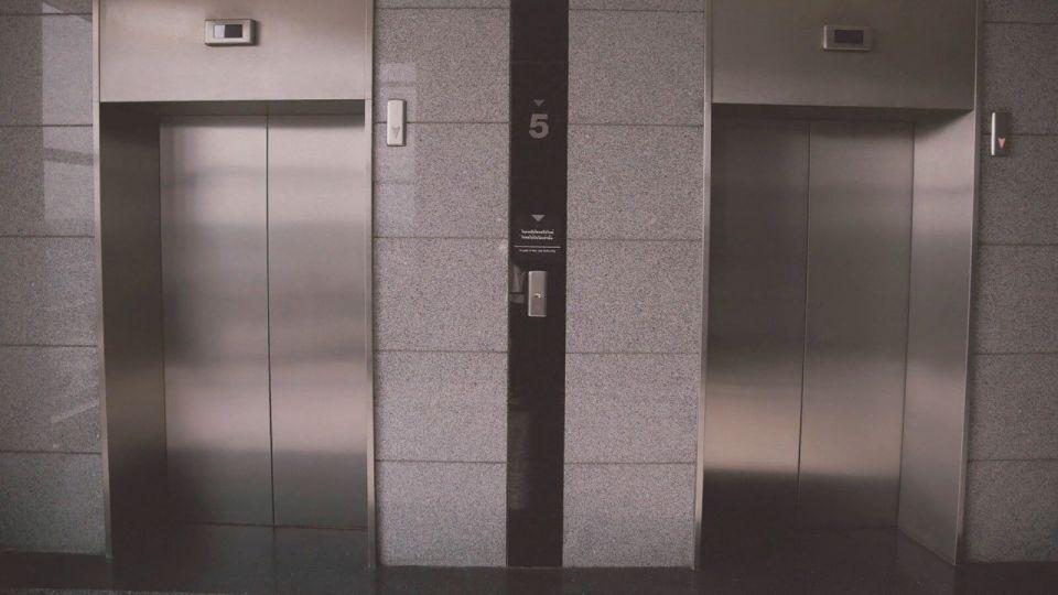 На замену лифтов в Алтайском крае нужно 2,5 млрд, но их нет