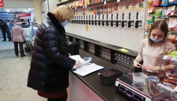 Кафе и ТЦ Барнаула продолжают нарушать антиковидные нормы