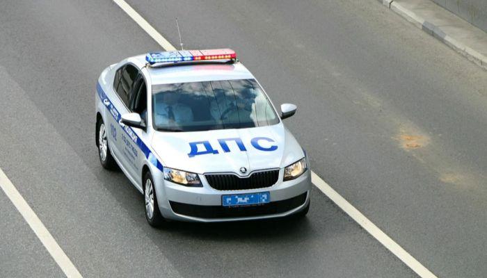 В России начали выдавать новые водительские права и ПТС