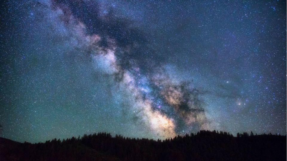 """Какие звездопады """"расчертят"""" небосвод в декабре 2020-го"""