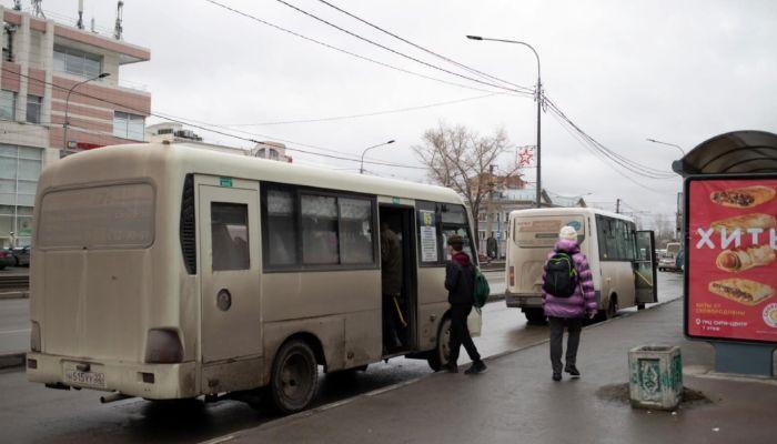 Барнаульские перевозчики снова просят поднять цены на проезд в транспорте