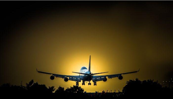 Самолет экстренно приземлился в новосибирском аэропорту