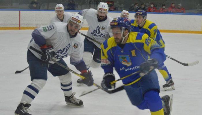 Хоккеисты Динамо-Алтай трижды обыграли хозяев в Набережных Челнах