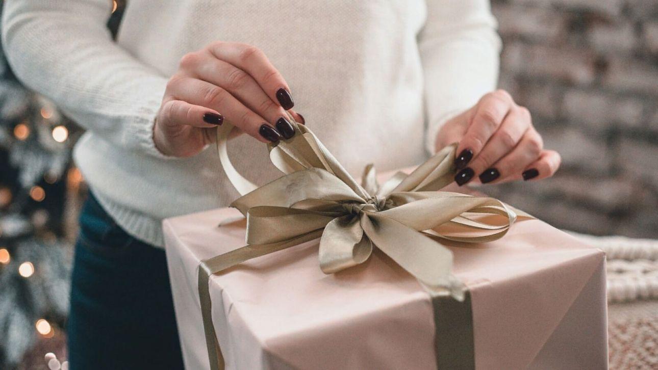 Сладости, сертификат, часы: какие подарки покупают барнаульцы на Новый год