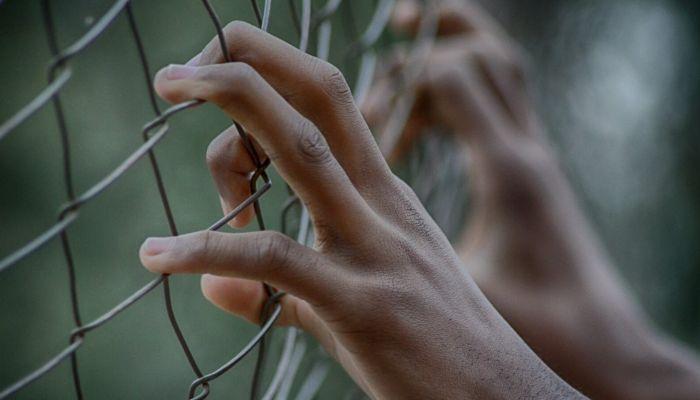 17-летнюю девушку поймали на закладках в Барнауле и осудили на шесть лет