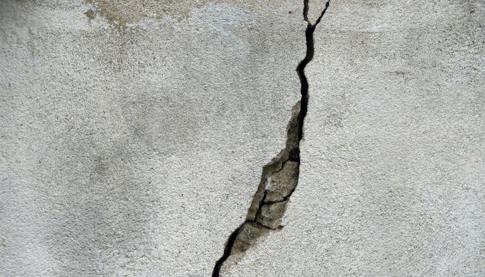 Школы и детские сады в Иркутске пострадали от утреннего землетрясения