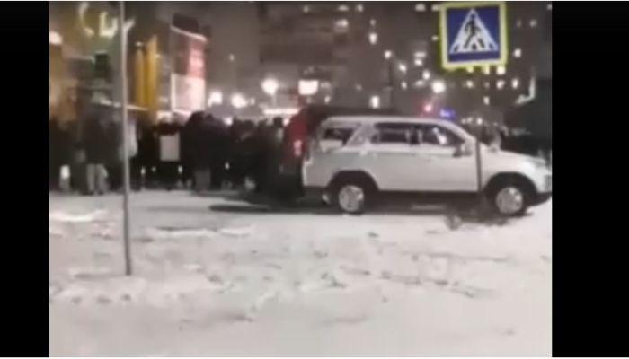 Полиция проверяет сообщения о массовой драке подростков в Бийске