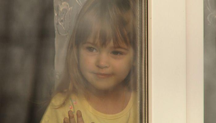 Маленькой девочке из алтайского села нужна помощь: у ребёнка онкология