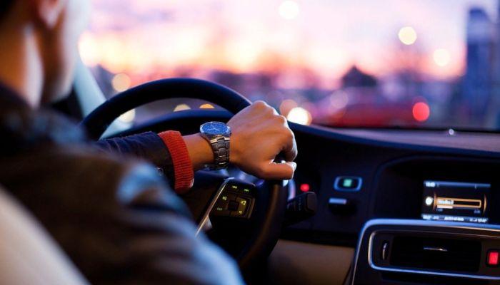 Российским водителям до Нового года нужно заменить продленные права