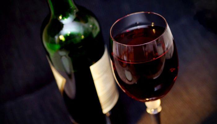 Нарколог рассказал, в каких случаях и дозах оправдан алкоголь