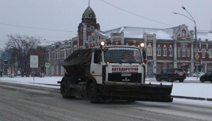 В Барнауле ограничат парковку грузовиков на улице Весенней