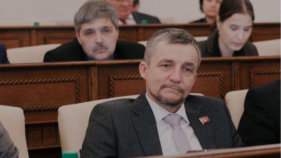 Одиозного краевого депутата уволили по статье за прогул
