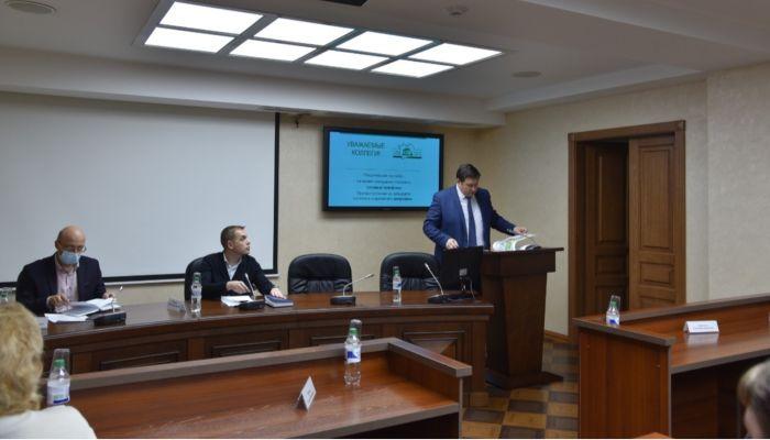 Алтайские эсэры обсудили с министром транспорта проблемы сельского транспорта