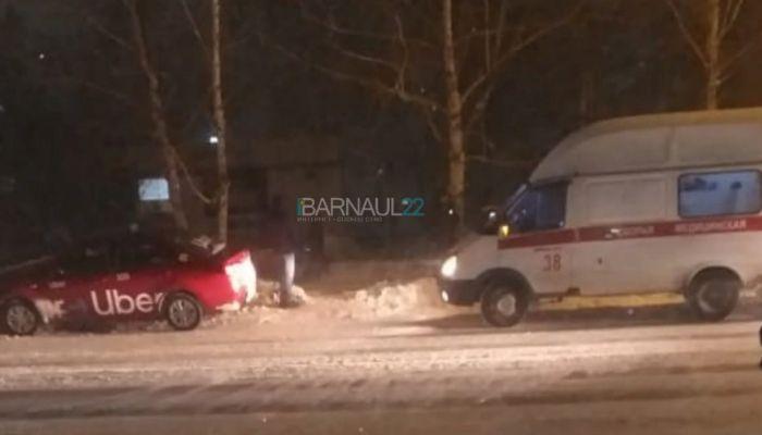 Таксист сбил 12-летнюю девочку на пешеходном переходе в Барнауле