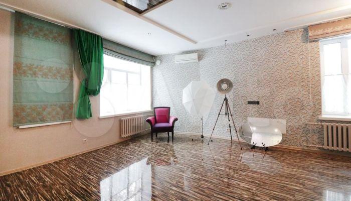 Рай для фотографа: квартиру с фотостудией продают в Барнауле