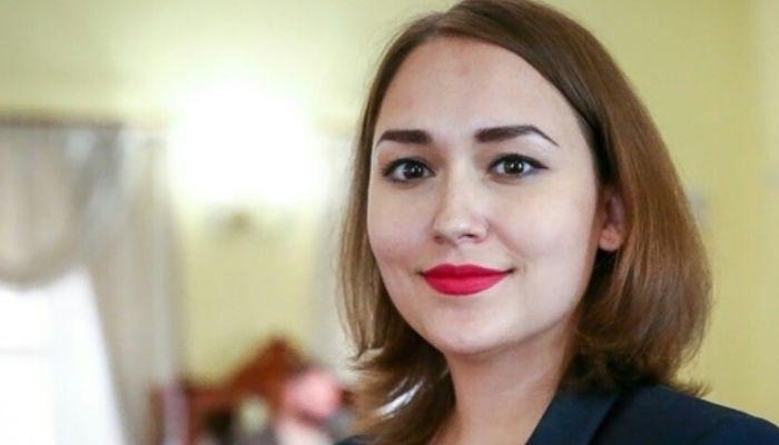 Якутский депутат во время совещания отчитал министра за открытую часть тела