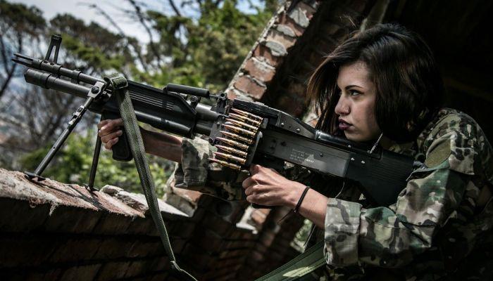 Женщинам-военнослужащим могут вдвое увеличить пособия по уходу за ребенком