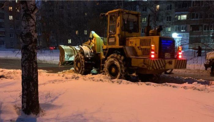 Аварийные бригады в Барнауле устраняют сразу две аварии на теплосетях города