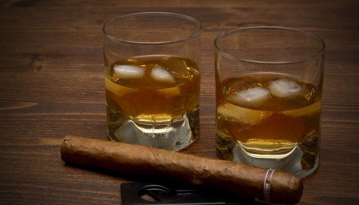 Ученые рассказали о напитке, который вызывает самое сильное похмелье